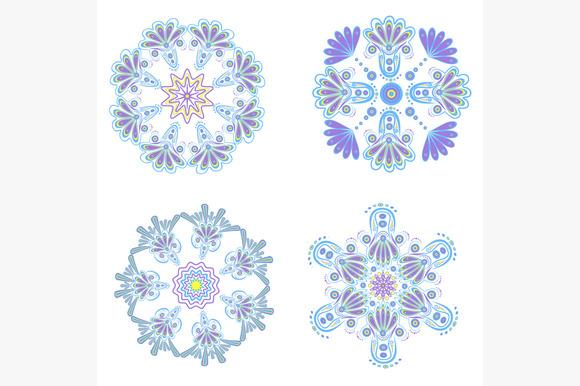 Set Circular Floral Ornaments