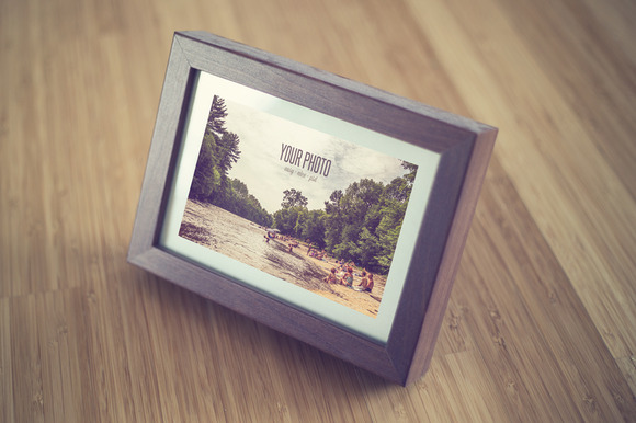 Realistic Frame Mock Up