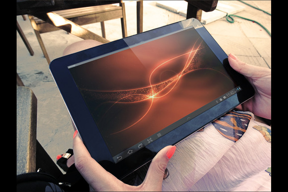 4 PhotoRealistic Tablet Mock Up