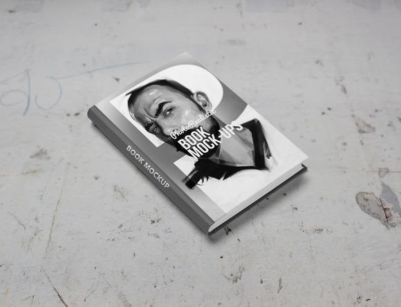Book Mockup Photo Realistic 8