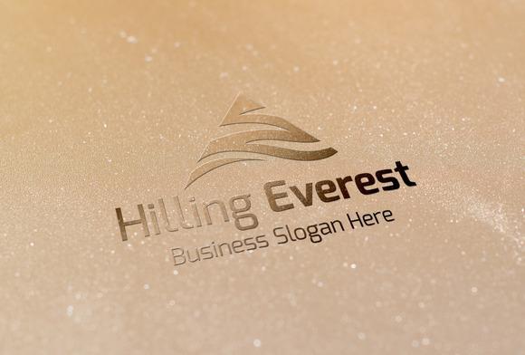 Hilling Everest Style Logo