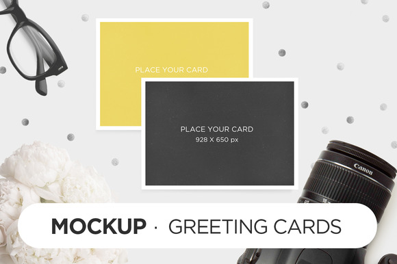 MockUp Greeting Cards Camera