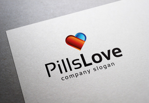 Pills Love Logo
