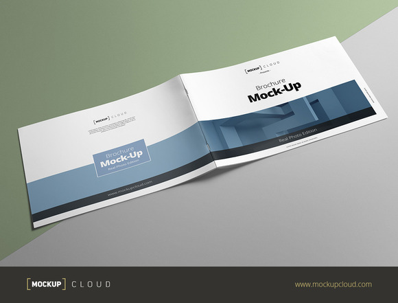 Brochure Mock-Up A4 Landscape