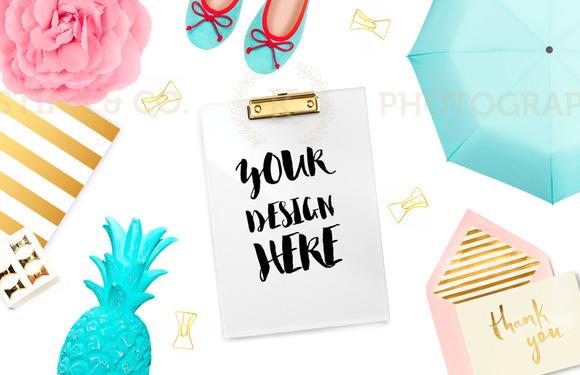 Mockup Desktop Style Photography