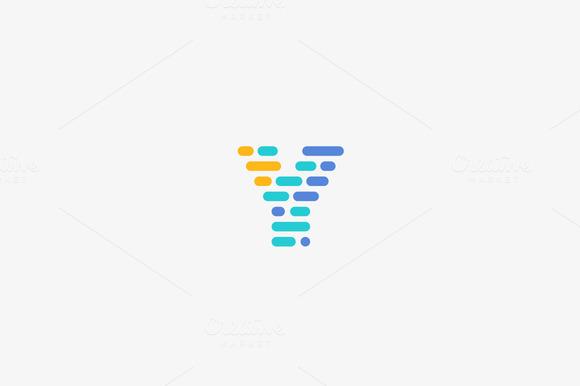 Dynamic Code Blocks Letter Y Logo