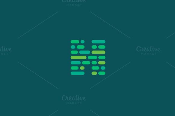 Dynamic Code Blocks Letter H Logo