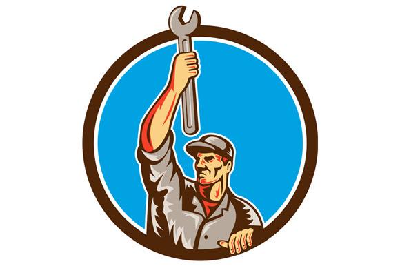 Mechanic Raising Up Spanner Circle R