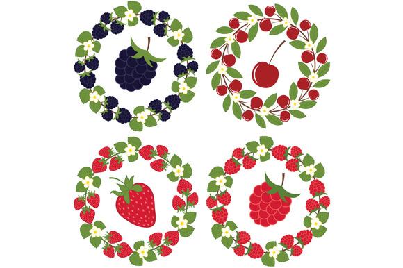 Berry Wreath Set