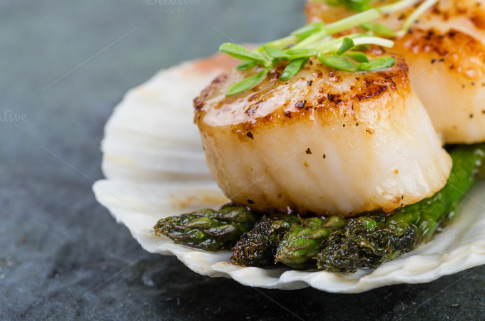 Sauteed scallops with asparagus ~ Food & Drink Photos on Creative ...