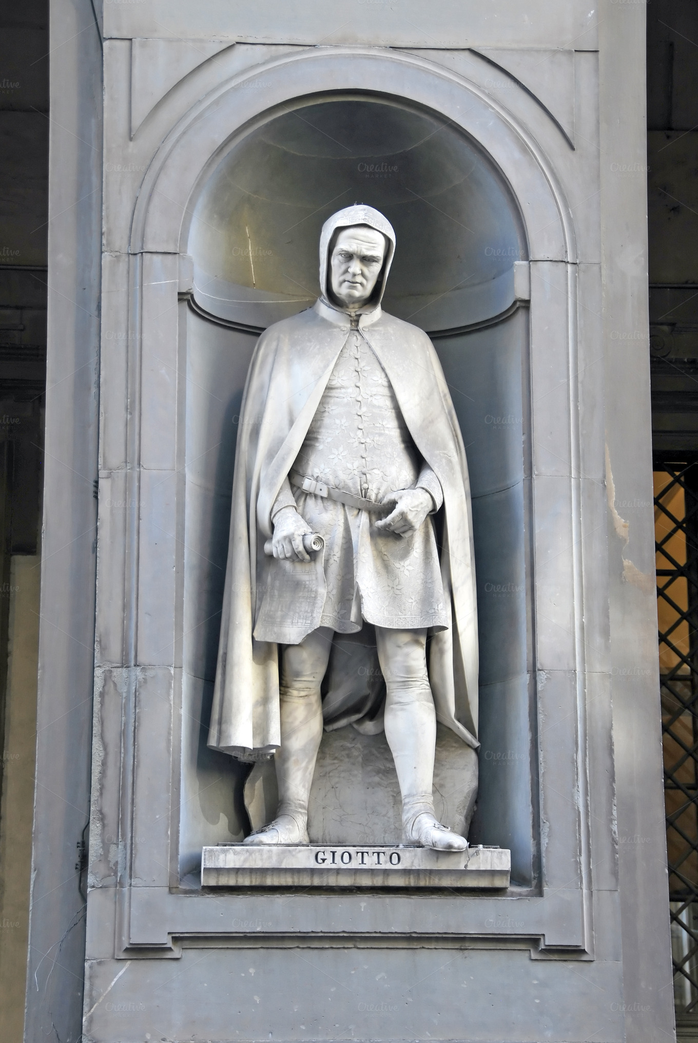 giotto statue in florence  italy