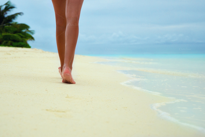 Legs girl walking on the beach ~ Holiday Photos on ...