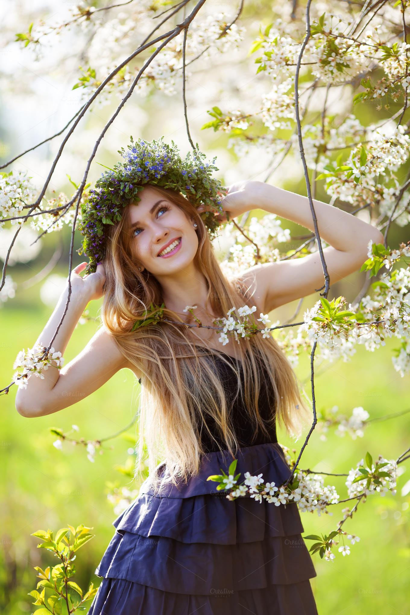 beautiful girl enjoying the spring ~ Beauty & Fashion ...
