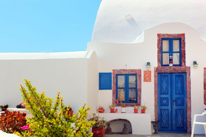 traditional greek house on santorini