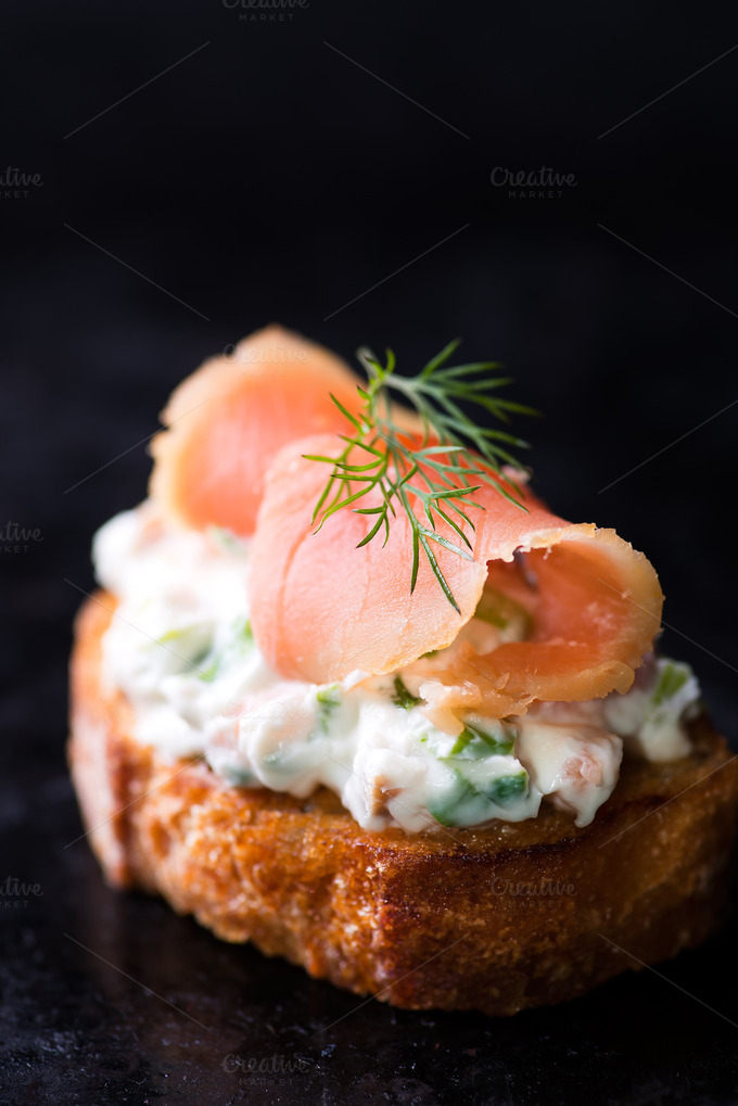 Canapes with smoked salmon food drink photos on for Smoked salmon canape