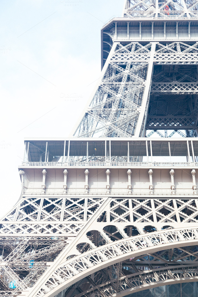 an introduction to the architecture of the eiffel tower The eiffel tower is a pictorial study of the great  one of the preeminent scholars of 19th-century architecture, provides an introduction describing the.