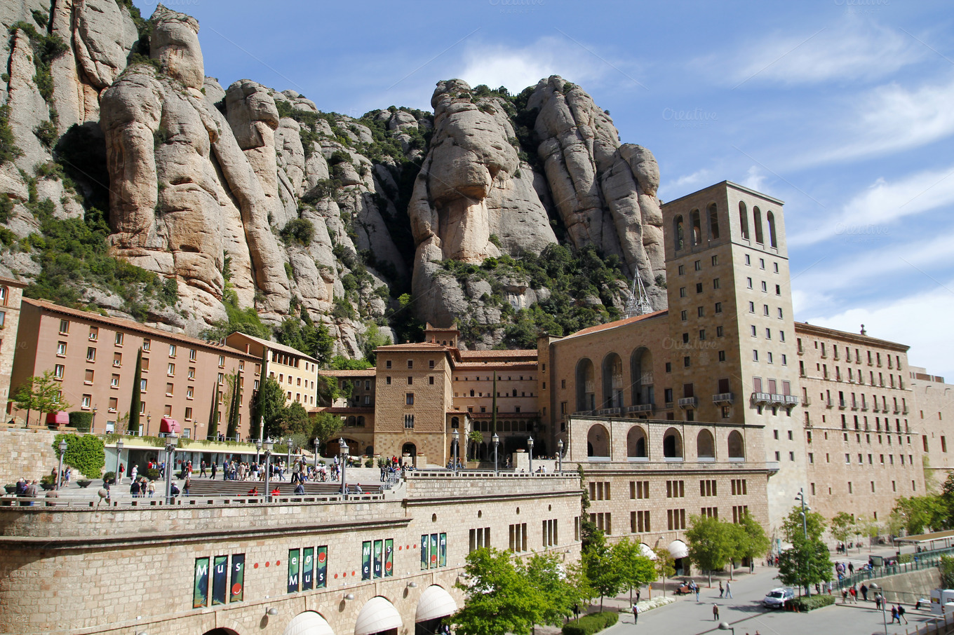 how to get to montserrat spain