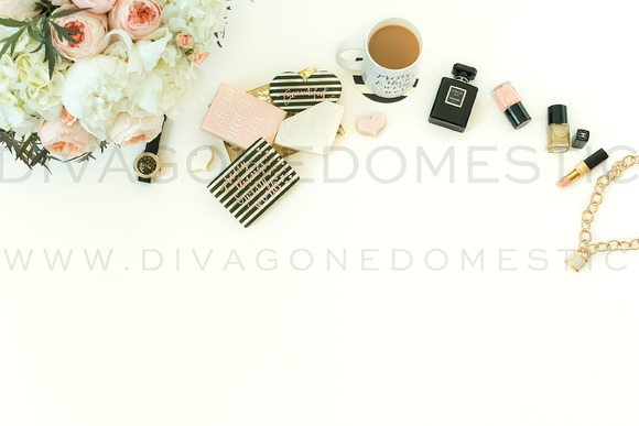 Styled Stock Photography   Desktop - Product Mockups