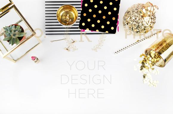 Styled Photo Mockup Desktop