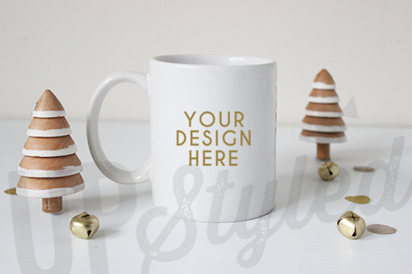 F148 Christmas Styled Mug Mock