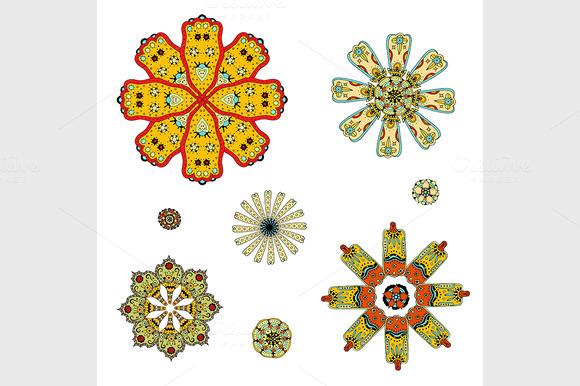 Round Set With Mandala