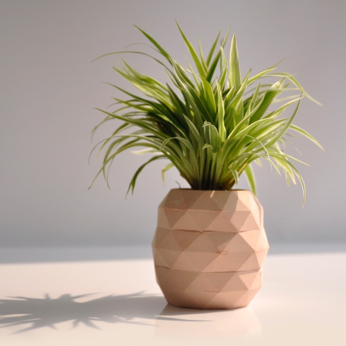 Office-Ideas-DIY-Pineapple-Decor
