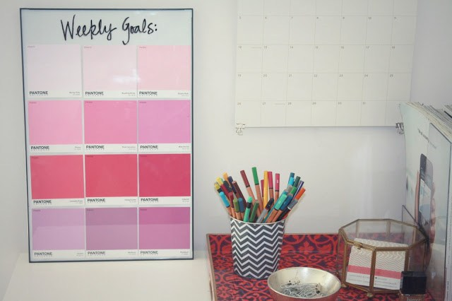Office-Ideas-DIY-Wall-Calendar-Pantone