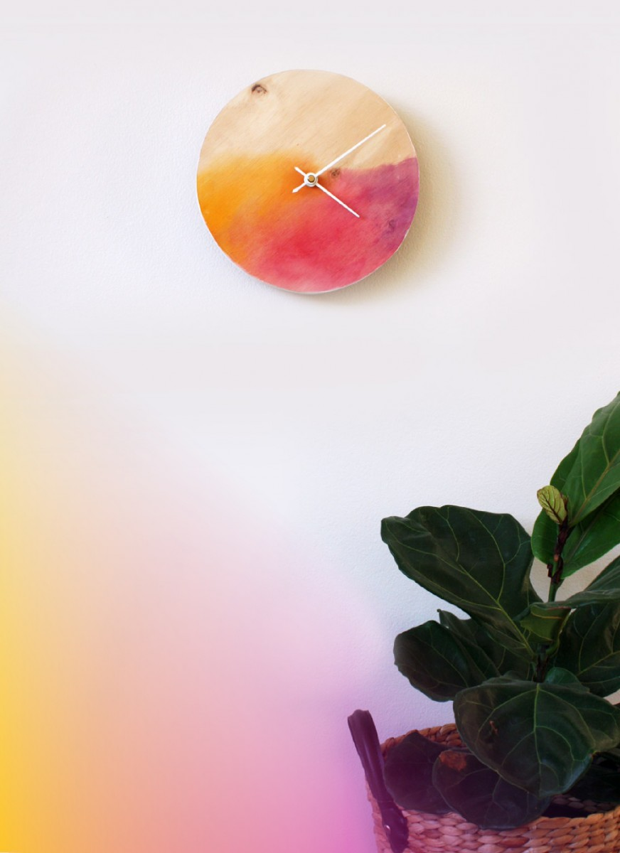 Office-Ideas-DIY-Watercolor-Gradient-Clock
