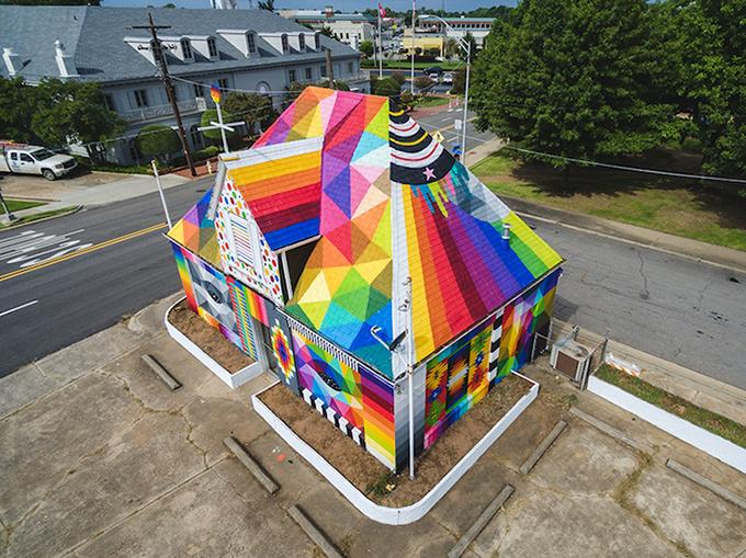 Okuda — Universal Chapel