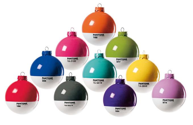 Pantone Christmas ornament tree