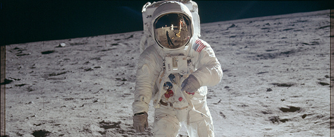 Project Apollo Unveils Over 8,000 Retro Photos From 1961